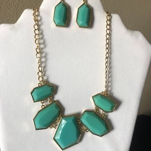 Jewelry - NEW Turquoise Statement Necklace Set